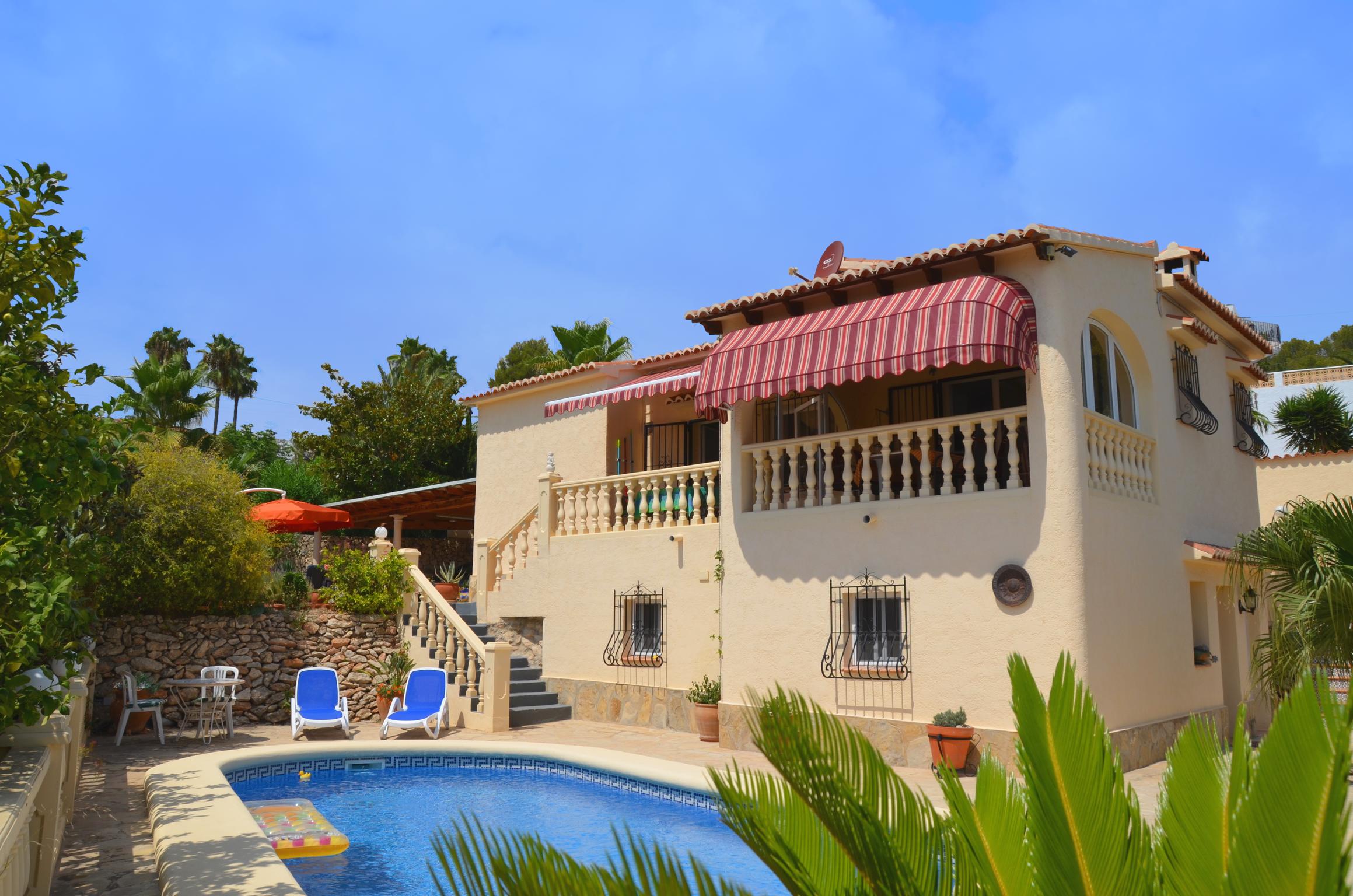 Villa Calsides Titelbild